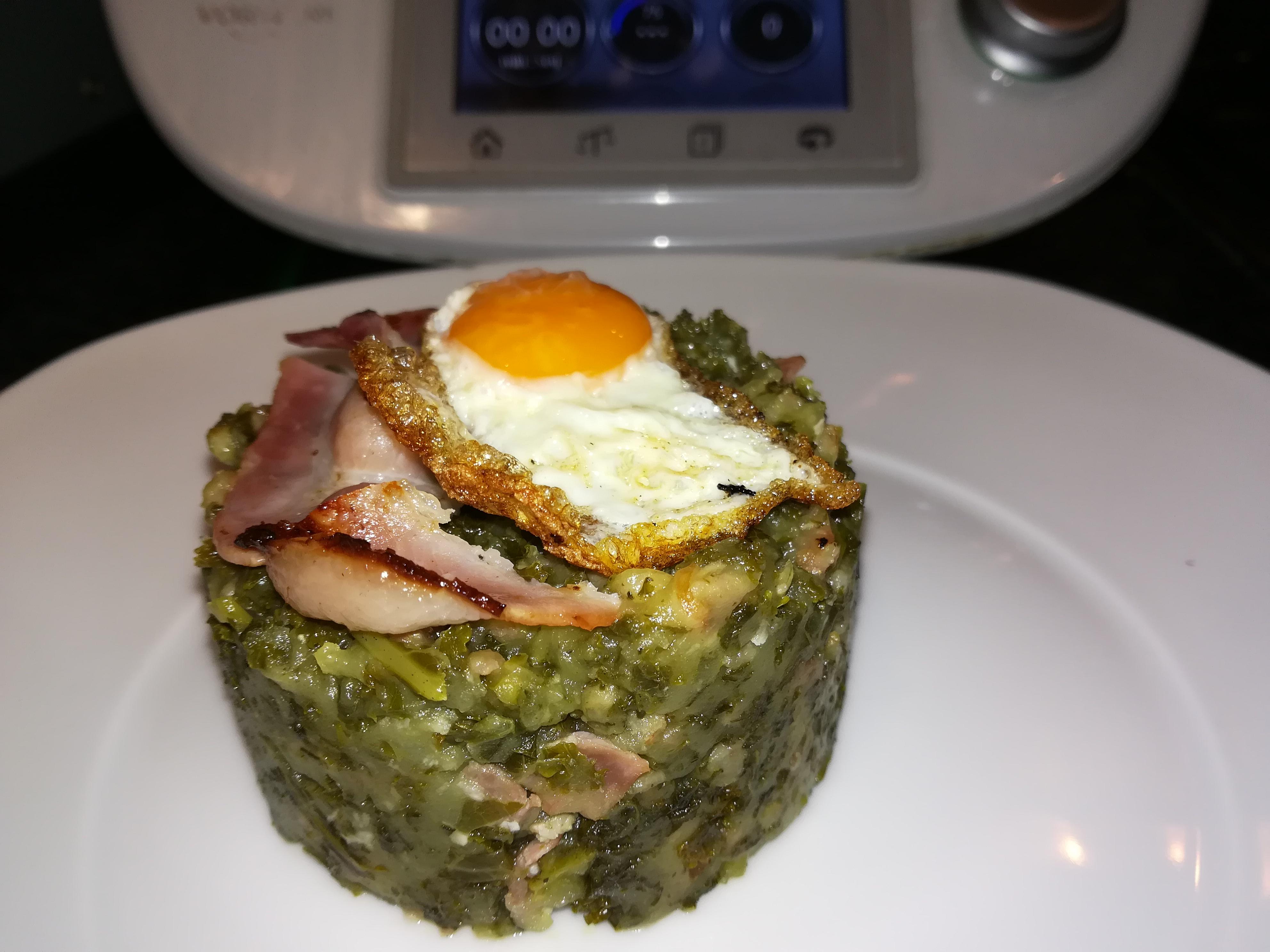 Trinxat de col kale con huevo verduras hortalizas y - Cocinar col kale ...
